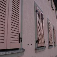 Einbau von Fensterläden mit E-Motor